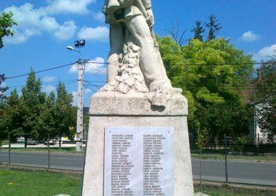 Solt I.vh emlékmű 2010.07.13 küldő-Csiszár Lehel (8)