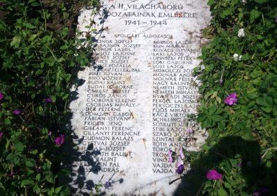 Solt II. világháborús emlékmű 2016.08.23. küldő-belamiki (2)