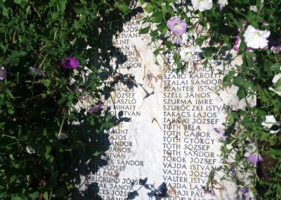 Solt II. világháborús emlékmű 2016.08.23. küldő-belamiki (4)