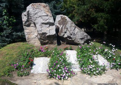 Solt II. világháborús emlékmű 2016.08.23. küldő-belamiki
