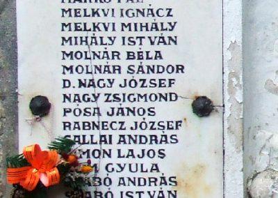 Soltszentimre világháborús emlékmű 2007.10.26. küldő-Markó Péter (2)