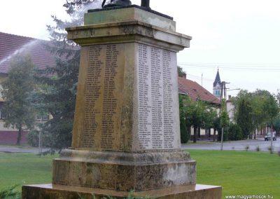 Soltvadkert I. világháborús emlékmű 2007.08.21. küldő-Hunmi (2)