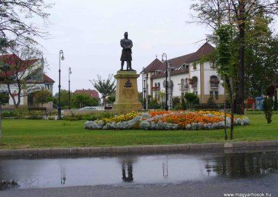 Soltvadkert I. világháborús emlékmű 2007.08.21. küldő-Hunmi