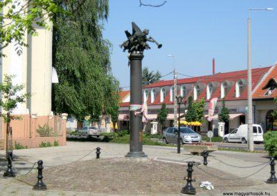 Soltvadkert II. világháborús emlékmű 2015.06.13. küldő-Emese (1)