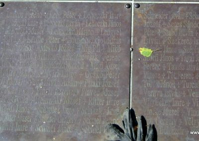 Soltvadkert II. világháborús emlékmű 2015.06.13. küldő-Emese (11)