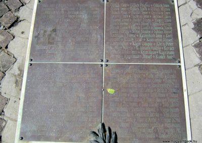 Soltvadkert II. világháborús emlékmű 2015.06.13. küldő-Emese (8)