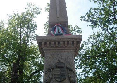 Solymár világháborús emlékmű 2008.04.21.küldő-Huszár Peti (1)