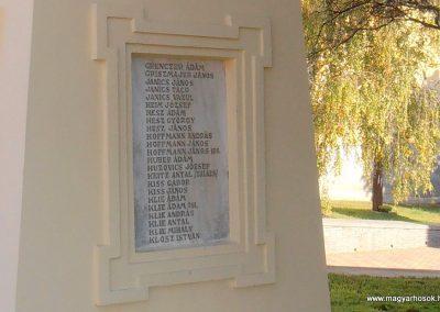 Somberek világháborús emlékmű 2012.10.22. küldő-Bagoly András (6)