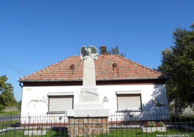 Somlószőlős I. világháborús emlékmű felújítás után 2015.10.02. küldő-Méri