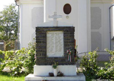 Somlószőlős II. világháborús emlékmű felújítás után 2015.10.02. küldő-Méri
