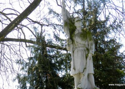 Somlóvásárhely világháborús emlékmű 2018.04.08. küldő-Huber Csabáné (1)