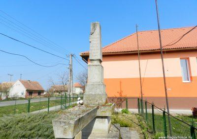 Somodor világháborús emlékmű 2016.03.20. küldő-Huber Csabáné