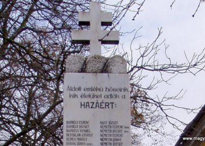 Somogyacsa I.vh emlékmű 2011.11.01. küldő-Szilsomogy (1)