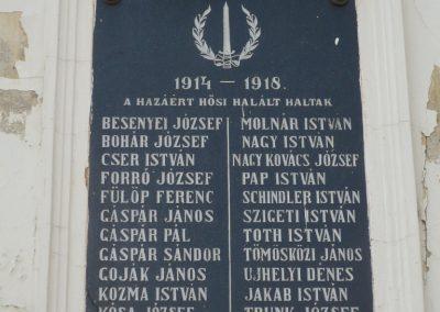 Somogyapáti világháborús emléktáblák 2010.03.19. küldő-Sümec (2)