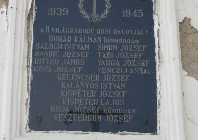 Somogyapáti világháborús emléktáblák 2010.03.19. küldő-Sümec (3)