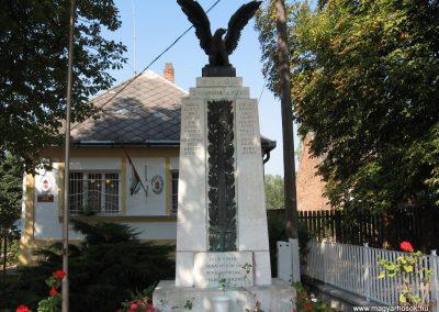Somogyaszaló világháborús emlékmű 2007.08.06. küldő-kalyhas (1)