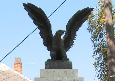 Somogyaszaló világháborús emlékmű 2007.08.06. küldő-kalyhas (2)