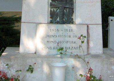 Somogyaszaló világháborús emlékmű 2007.08.06. küldő-kalyhas (4)