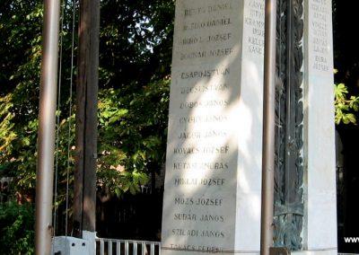 Somogyaszaló világháborús emlékmű 2007.08.06. küldő-kalyhas (8)