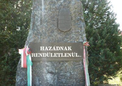 Somogybabod világháborús emlékmű 2010.04.29. küldő-Sümec (3)