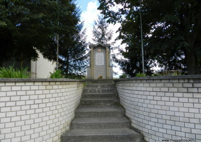 Somogymeggyes II. világháborús emlékmű 2014.08.24. küldő-Huber Csabáné