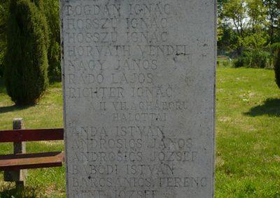 Somogyszentpál világháborús emlékmű 2009.04.21.küldő-Sümec (4)