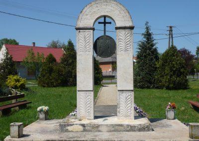 Somogyszentpál világháborús emlékmű 2009.04.21.küldő-Sümec (7)