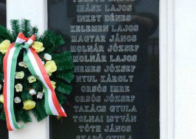 Somogytúr világháborús emlékmű 2014.04.06. küldő-Huber Csabáné (3)