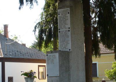 Somogyudvarhely világháborús emlékmű 2009.05.12. küldő-Sümec (11)