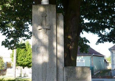 Somogyudvarhely világháborús emlékmű 2009.05.12. küldő-Sümec (2)