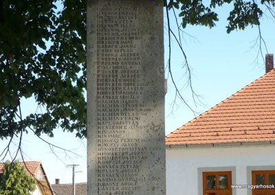 Somogyudvarhely világháborús emlékmű 2009.05.12. küldő-Sümec (5)