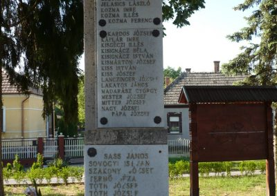 Somogyudvarhely világháborús emlékmű 2009.05.12. küldő-Sümec (8)
