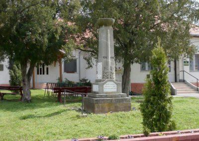 Somogyzsitfa-Felsőzsitfa világháborús emlékmű 2013.04.12. küldő-Sümec