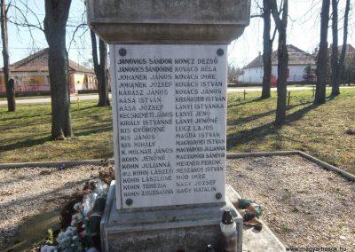 Soponya II. világháborús emlékmű