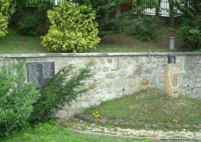 Sopron-Brennbergbánya II.vh emlékmű 2007.10.04.küldő-bringásfecó