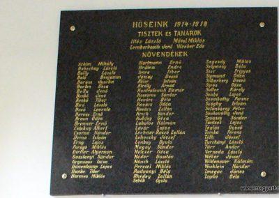 Sopron- az Egyetem falán elhelyezett világháborús emléktáblák 2008.04.04. küldő-HunMi (2)