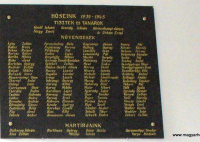 Sopron- az Egyetem falán elhelyezett világháborús emléktáblák 2008.04.04. küldő-HunMi (3)