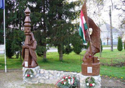 Sormás Hősi emlékmű 2007.11.03.küldő-HunMi (3)
