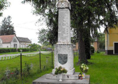 Sumony világháborús emlékmű 2010.05.22. küldő-KRySZ