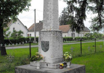 Sumony világháborús emlékmű 2010.05.22. küldő-KRySZ (6)