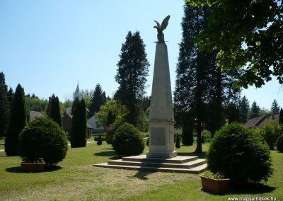 Surd világháborús emlékmű 2009.05.08.küldő-Sümec (3)