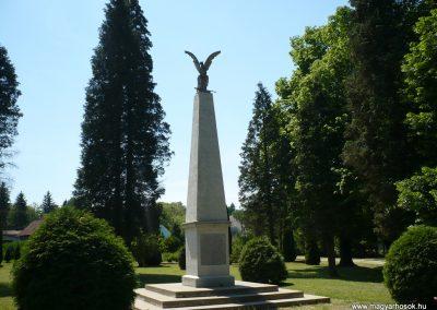 Surd világháborús emlékmű 2009.05.08.küldő-Sümec (5)