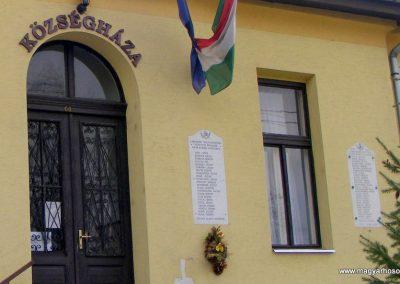 Szár világháborús emléktáblák 2012.04.15. küldő-Méri (4)