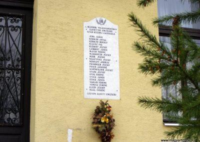 Szár világháborús emléktáblák 2012.04.15. küldő-Méri (5)