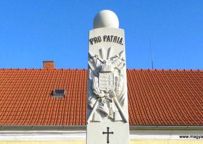 Szárföld világháborús emlékmű 2013.12.17. küldő-Méri (1)