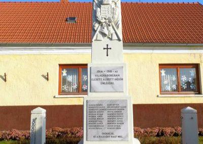 Szárföld, I. és II. világháborús emlékmű
