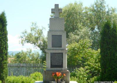 Szászfalu világháborús emlékmű 2011.06.23. küldő-Ágca (7)