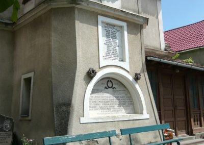 Szászrégen világháborús emléktáblák a ref. templom oldalán 2011.06.20. küldő-Ágca