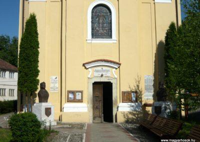 Szászrégen világháborús emléktábla a róm.kat. templom falán 2011.06.20. küldő-Ágca