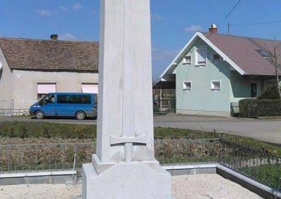 Szászvár-Császta világháborús emlékmű 2016.03.20. küldő-Miki (1)